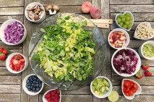 野菜、きのこ、果物、ナッツ