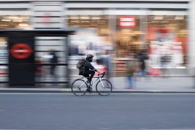 【逮捕!】自転車で初のあおり運転で逮捕者│どんな刑罰になるの?