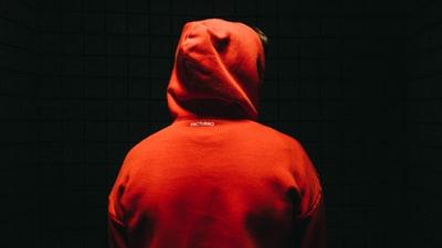 映画「隣人13号」ネタバレ感想│村崎十三の復讐のために現れた13号の存在